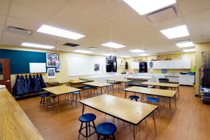 School District of Onalaska - Irving Pertzsch Elementary School Art Room