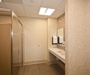 Mayo Clinic Health System - Arcadia Clinic Restroom